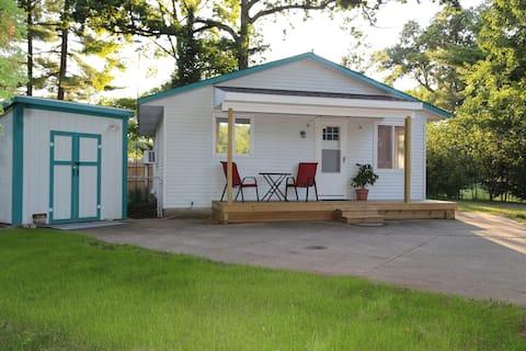 The Cottage at Deer Lake