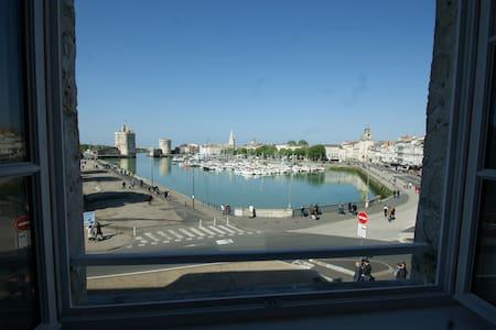 Vue imprenable sur le vieux Port - La Rochelle