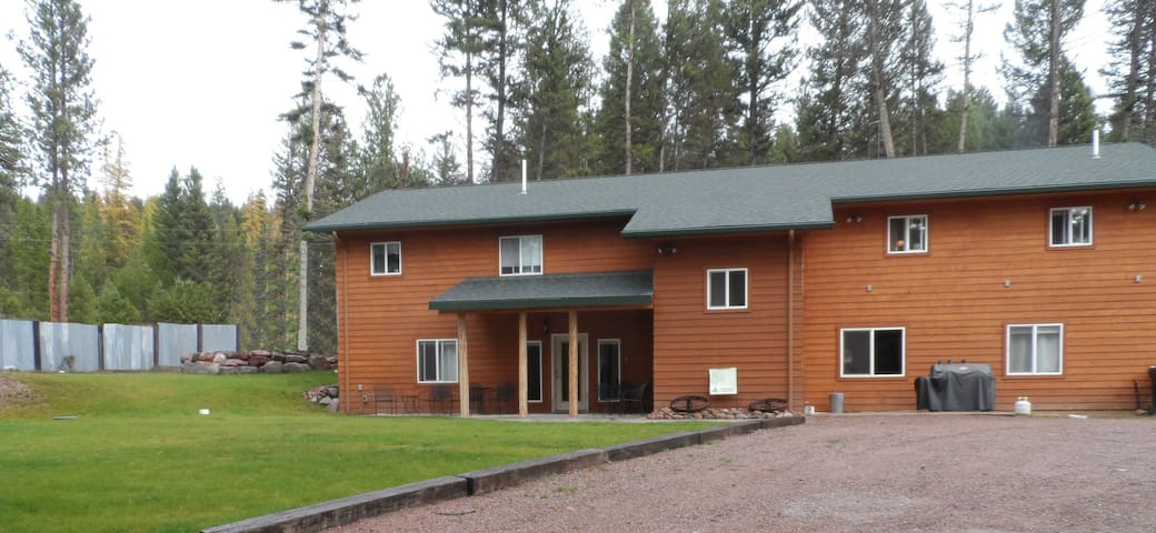 Spacious Family & Pet Friendly Vacation Rental