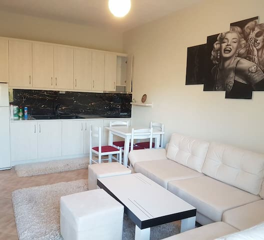 Blue Moon Apartments White Deluxe with sea view