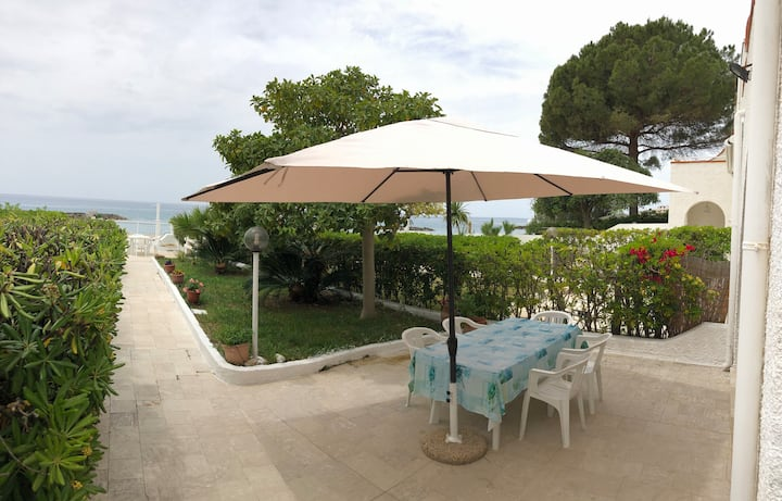Villa on the beach in Diamante (CS)