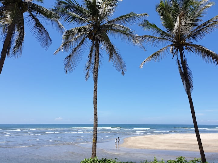 Beach view, 3bedrooms Ashvem beach goa.