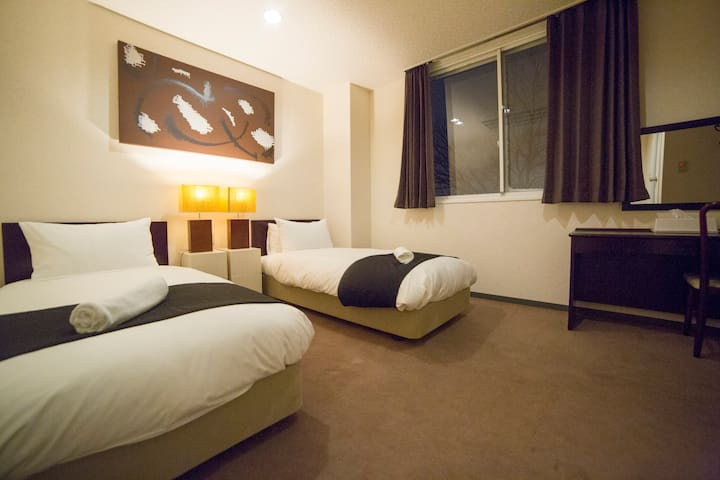 COMPACT TWIN & QUEEN ROOMS - Hakuba-mura - Apartment