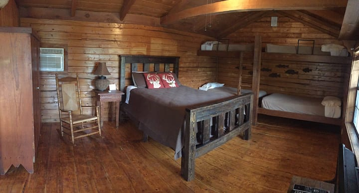 (LODGE #1)     Busy B Ranch Lodging and Outfitters