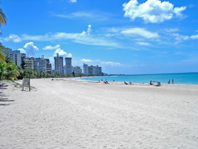Casa en Ocean Park, a pasos de la playa. - San Juan - House