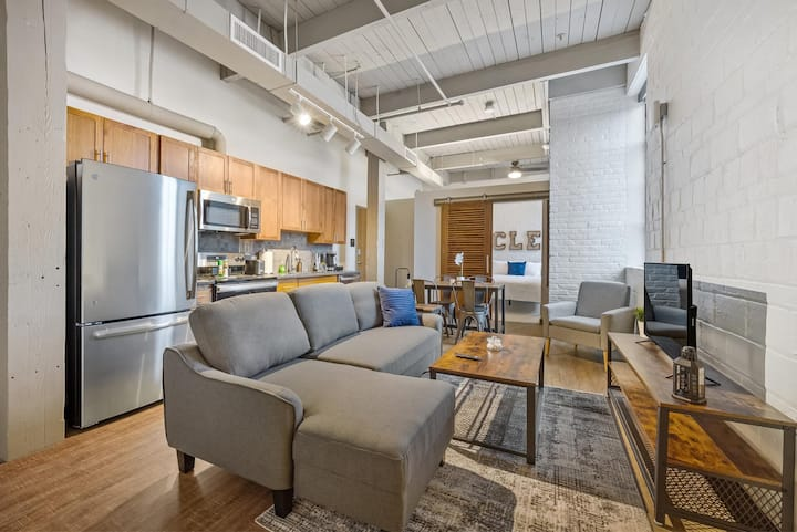 Industrial Loft Apartments in the BEAUTIFUL NEW Superior Building! #319