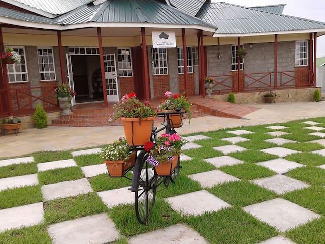 Tumaini Gardens - Isinya - 家庭式旅館