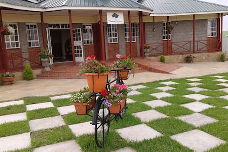 Tumaini Gardens - Bed & Breakfast