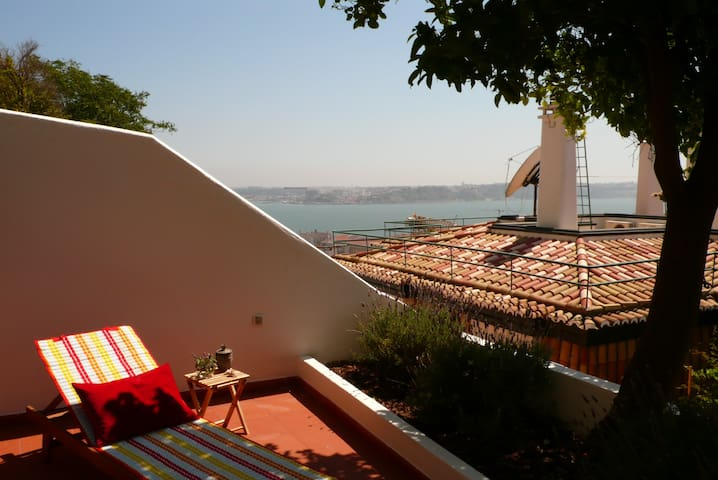 NEW!! TOP Apartment, terrace & view Lisbon. WIFI - Lisboa - Lejlighed