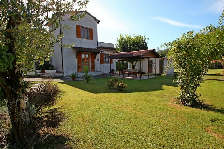 Casa Domenico - 4 People, WIFI, Garden, 2Km from Sea, perfect for beach holiday