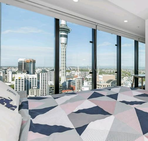 Sky Tower View From Your Bed!