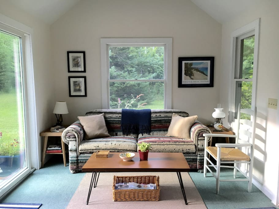 beulah lake michigan sleeping bear dunes area cabins for rent in beulah michigan united states. Black Bedroom Furniture Sets. Home Design Ideas
