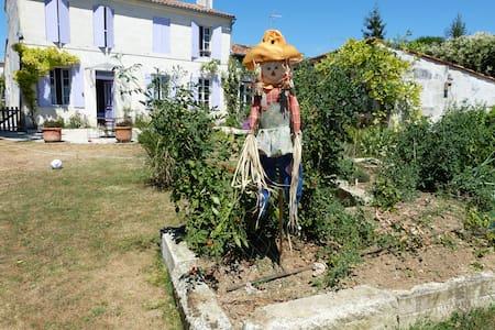 Lit 90 à votre disposition - Saint-Georges-des-Coteaux