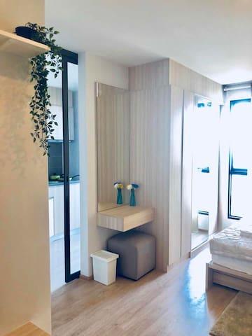 Clean Cozy Condo BTS bangna Bitec 22T-舒适开间环楼泳池邦纳站