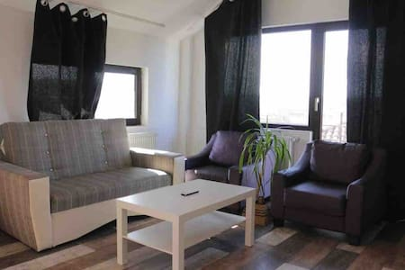 Apartament with 2 rooms Wifi and Parking Free