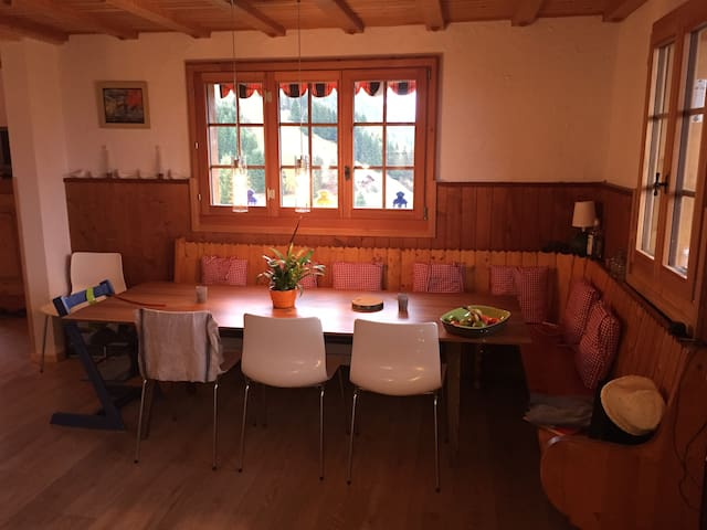 Open dining rooom