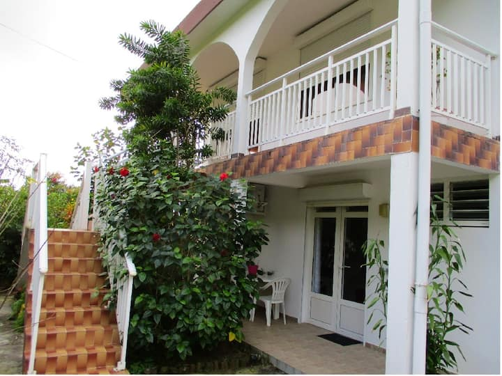 Apartment with one bedroom in Le  Lamentin, with wonderful sea view, furnished garden and WiFi - 5 km from the beach
