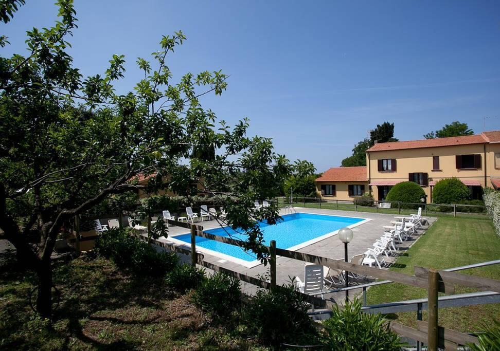 Casa Milla giardini con piscina