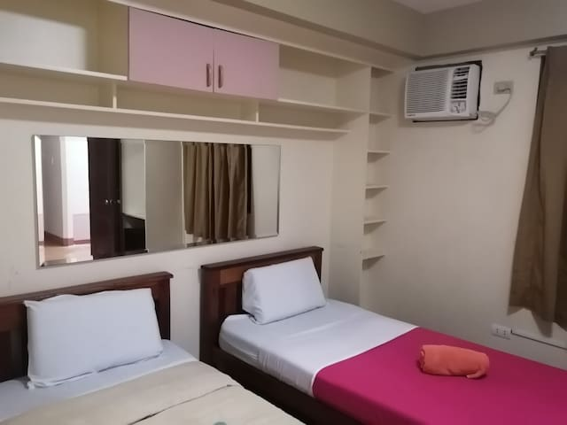 Travelers twin room up to 3 persons with WIFI