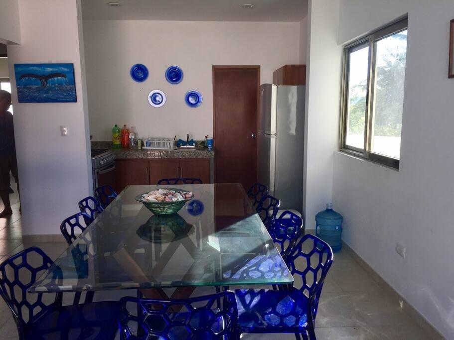 Diningroom & Kitchen