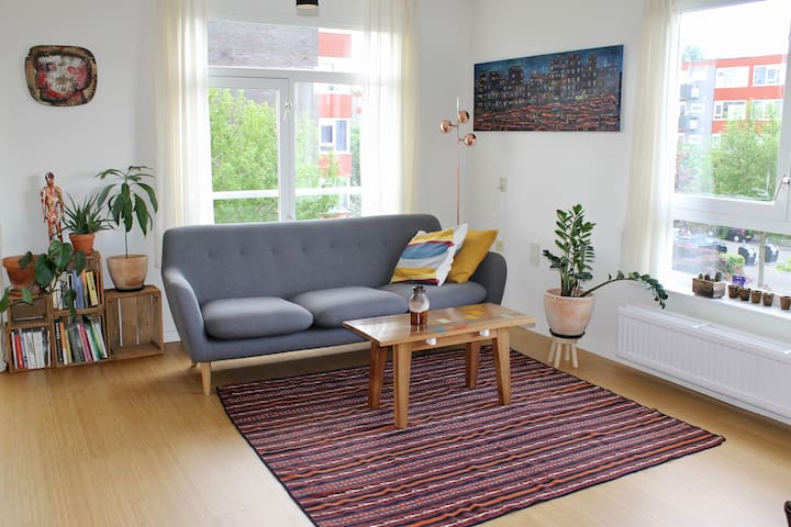Light and spacious apartment for 1 or 2
