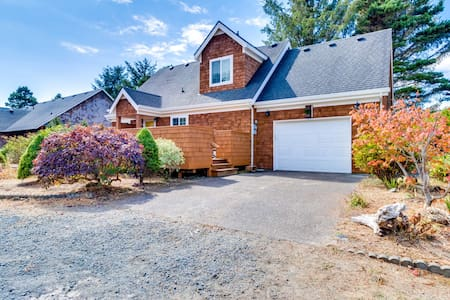 Spacious family & dog-friendly home w/ new private hot tub, smart TVs, & more