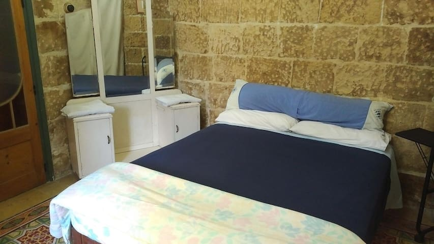 Quiet & Peaceful 1, close to airport - Ħal Għaxaq - Casa
