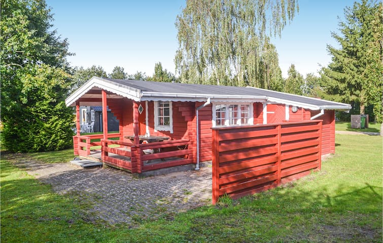 Holiday cottage with 2 bedrooms on 29m² in Hovborg