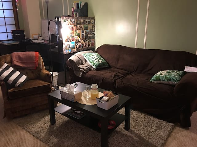 Comfortable couch at excellent Location!