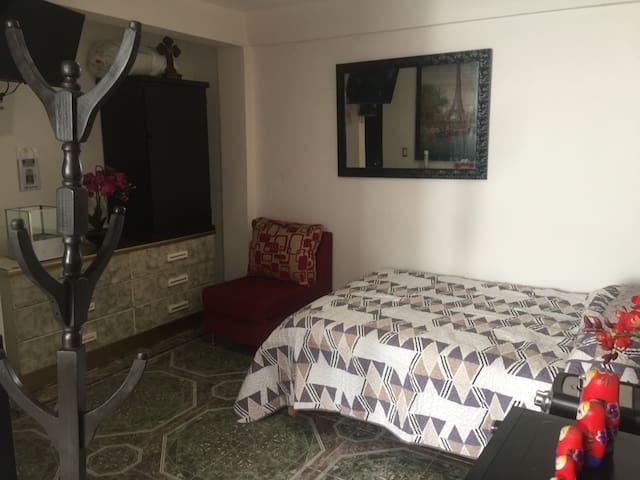 Excelente habitación con antecomedor y gran tamaño