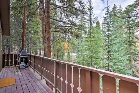 Secluded 2BR Alma Cabin w/ Alpine Views! - Alma