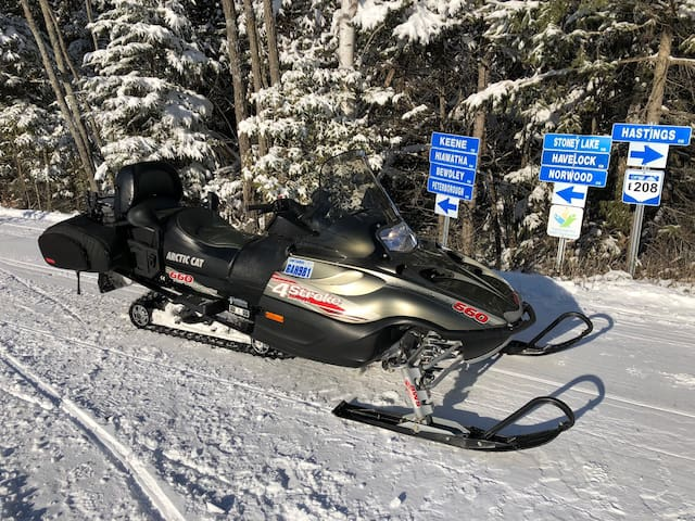 Winter snowmobile trails connect to hundreds of towns across the province