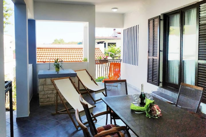 Two bedroom apartment with terrace Ražanj, Rogoznica (A-12133-a)