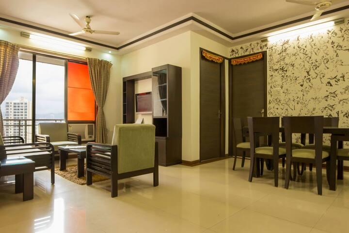 Executive Symphony 3 bhk Service Apt - Mumbai - Flat