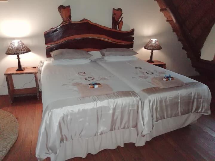 Umfolozi River Lodge & Bird Park-6 bed family unit