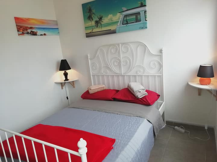 BEAUTY!!ROOM DOUBLE BEDS,NEAR AT OCEAN