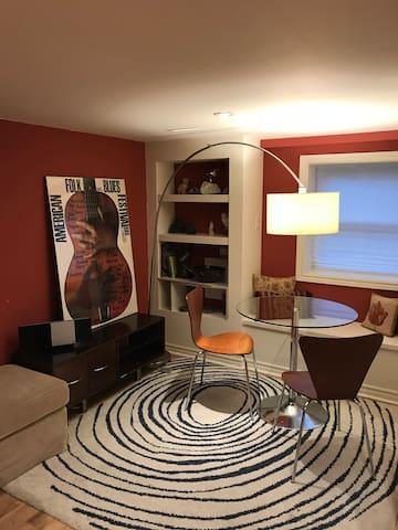 Bright & Stylish Private Apartment