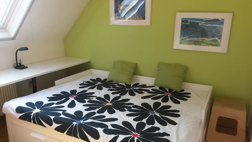 2 Rooms( child-friendly ) Antw:1/4h  Brus: 1/2h - Rumst - Huis