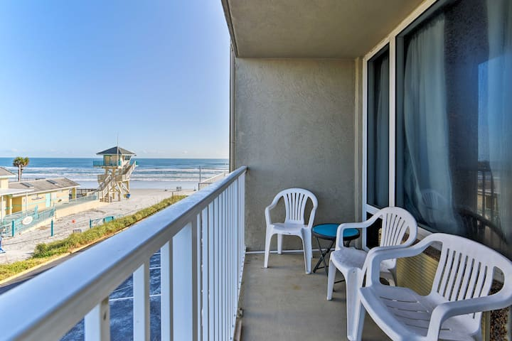 Oceanfront Daytona Beach Studio w/Pool!