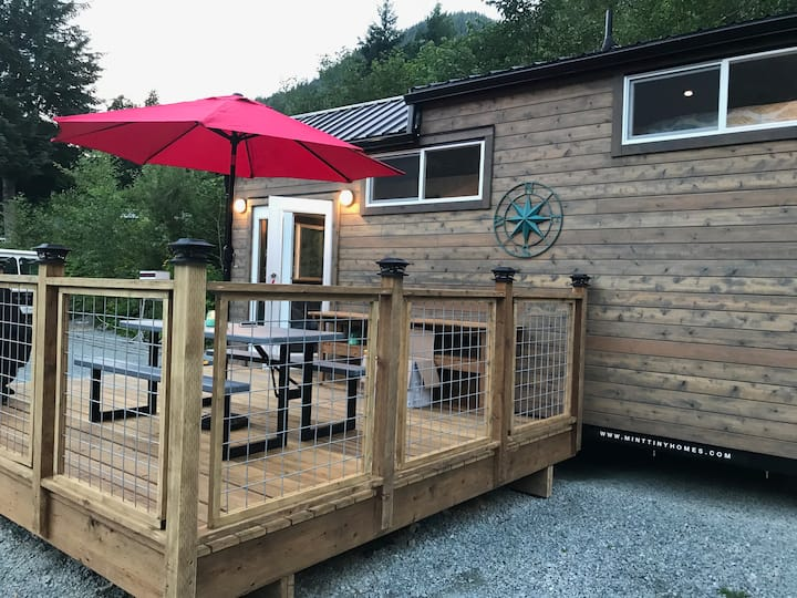 Escape the Crowds: Tiny House Luxury, Hope, BC