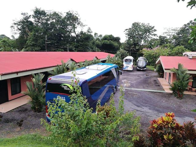 Vista de Tortuguero ( Hab. dobles con abanico )