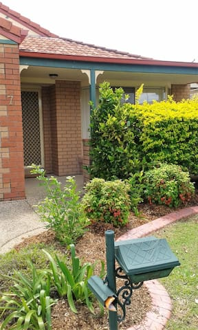 Close to Westfied and WIFI - North Lakes - House