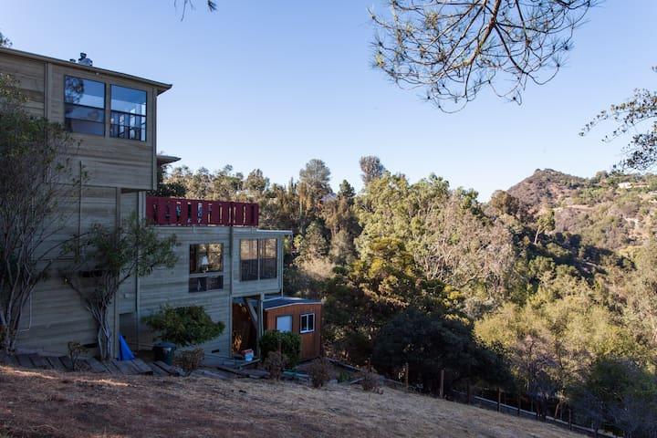 Topanga Canyon home, views and amenities! - Topanga