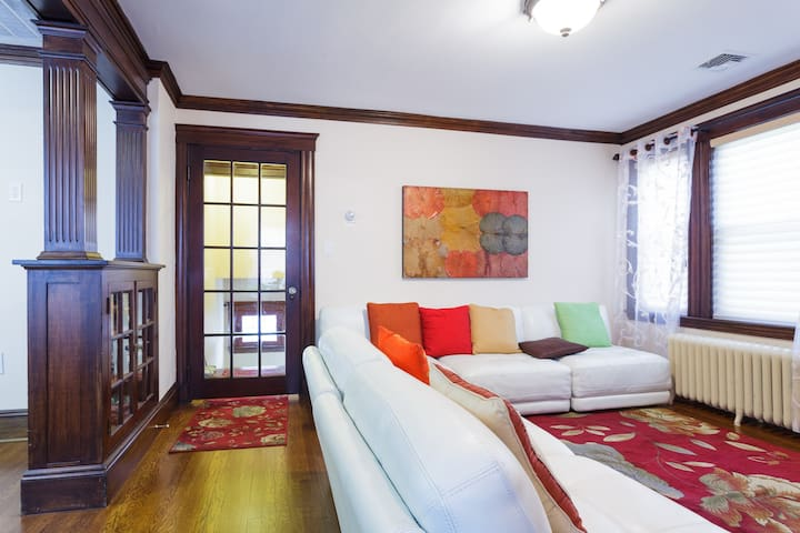Beautiful 3 bed/2 bath: 5 miles to Copley Sq. - Boston - Appartamento