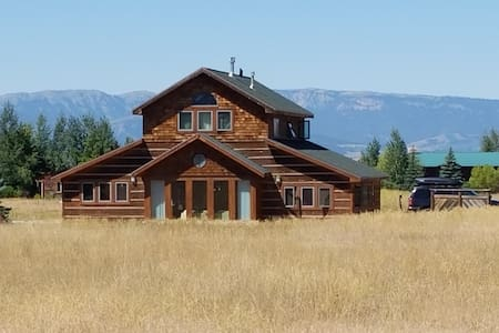 Teton Timber House with Hot Tub - Driggs - Ház