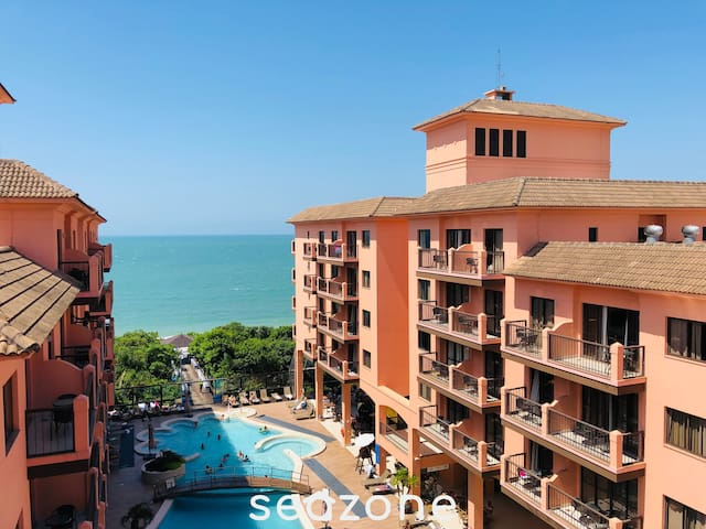 Sea View in Front Beach Condo - Beach Village 464