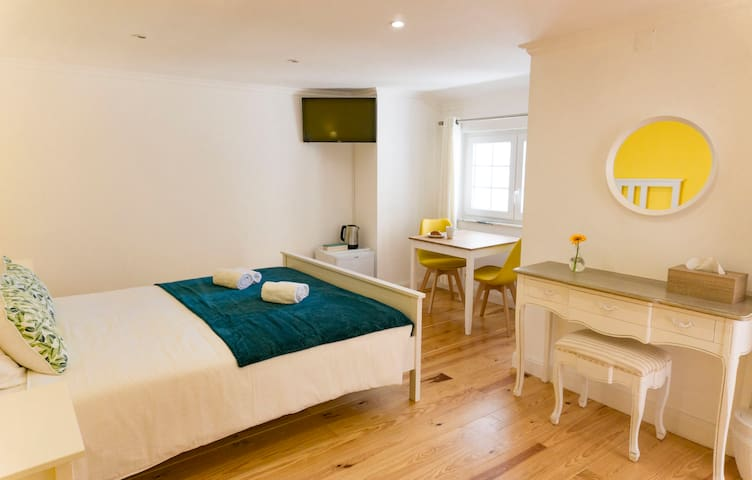 Lovely Private Room with Terrace in Lagos Center