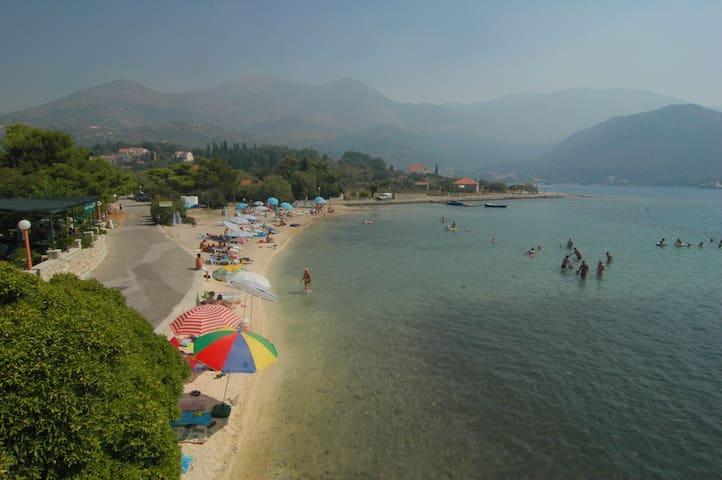 Seaside Villa - Private beach; breakfast included