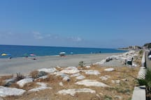 Spiaggia libera a 10 km circa