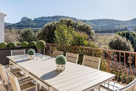 Villa 10mn de Cassis, vue dominante sur les vignes